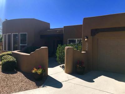 Single Family Home For Sale: 6623 High Ridge Place NE