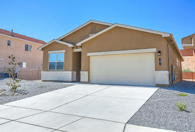 Valencia County Single Family Home For Sale: 4 Hermanos Loop