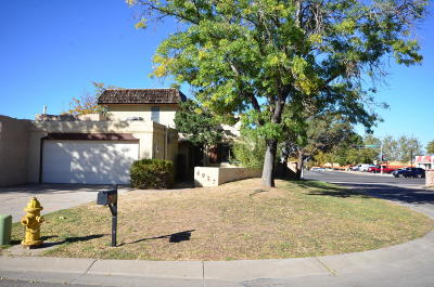 Albuquerque NM Attached For Sale: $194,500