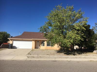 Albuquerque, Rio Rancho Single Family Home Active Under Contract - Bank O: 6908 Glen Hills Drive NE