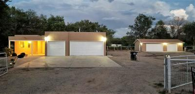 Valencia County Single Family Home For Sale: 4 King Court