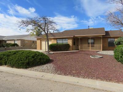 Albuquerque, Rio Rancho Single Family Home For Sale: 469 Wagon Train Drive SE