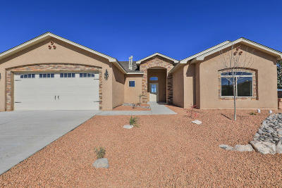 Valencia County Single Family Home For Sale: 2600 Firewheel Avenue SW
