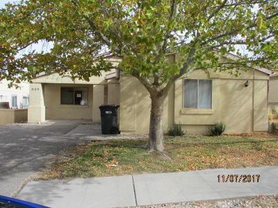 Rio Rancho Single Family Home For Sale: 909 Charles Drive NE
