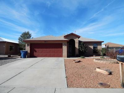 Valencia County Single Family Home For Sale: 875 Ladron Avenue SE