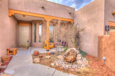 Rio Rancho Single Family Home For Sale: 725 4th Street NE