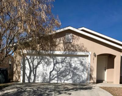 Rio Rancho Single Family Home For Sale: 3811 Cattle Drive NE