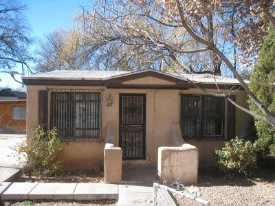 Albuquerque Single Family Home For Sale: 1101 Ann Avenue SW