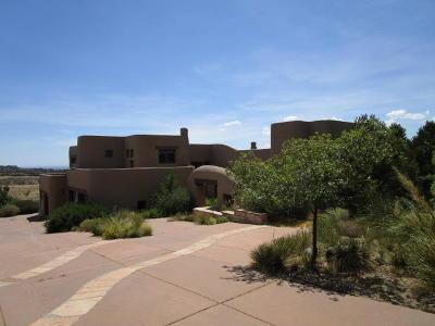 Single Family Home For Sale: 6009 Beargrass Court NE