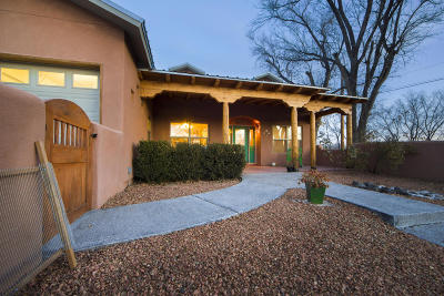 Valencia County Single Family Home For Sale: 1324 Los Lentes Road NE