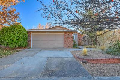 Single Family Home For Sale: 10410 Oso Grande Road NE