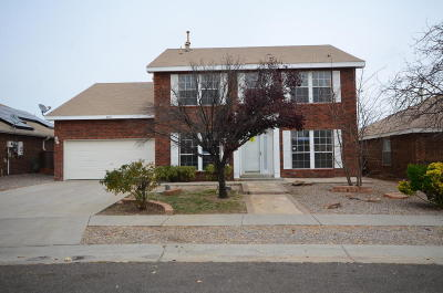 Albuquerque NM Single Family Home For Sale: $199,900