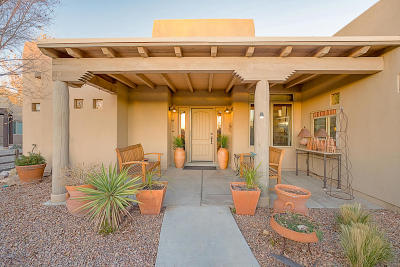 Bernalillo Single Family Home For Sale: 906 Paseo Los Coyotes