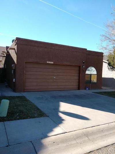 Single Family Home For Sale: 7104 Bobwhite Lane NE