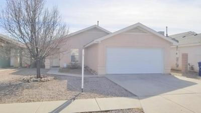 Albuquerque NM Single Family Home For Sale: $129,000