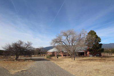 Tijeras, Cedar Crest, Sandia Park, Edgewood, Moriarty, Stanley Single Family Home For Sale: 170 Sedillo Hill Road
