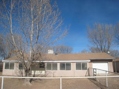 Valencia County Single Family Home For Sale: 13 Blue Hill Road