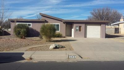 Albuquerque NM Single Family Home For Sale: $139,900