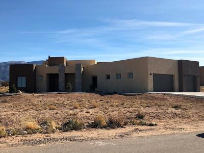 Placitas Single Family Home For Sale: 12 Sundagger Loop