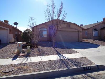 Rio Rancho Single Family Home For Sale: 7144 Labrador Drive NE