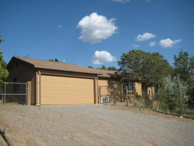 Tijeras, Cedar Crest, Sandia Park, Edgewood, Moriarty, Stanley Single Family Home For Sale: 12 McCall Lane