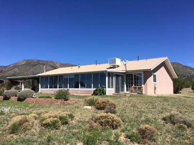 Tijeras, Cedar Crest, Sandia Park, Edgewood, Moriarty, Stanley Single Family Home For Sale: 786 State Road 344