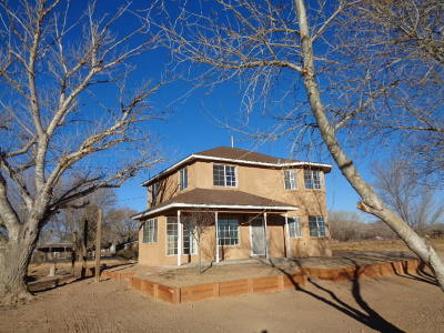 Valencia County Single Family Home For Sale: 836 Curfman Road