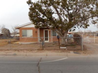 Albuquerque NM Single Family Home For Sale: $156,000