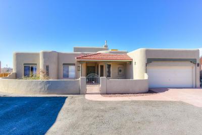 Albuquerque, Rio Rancho Single Family Home For Sale: 5408 Tecamac Road NE