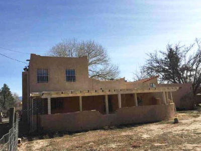 Albuquerque Single Family Home For Sale: 8808 Rio Grande Boulevard NW