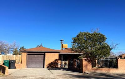 Bernalillo Single Family Home For Sale: 524 Coronado Drive