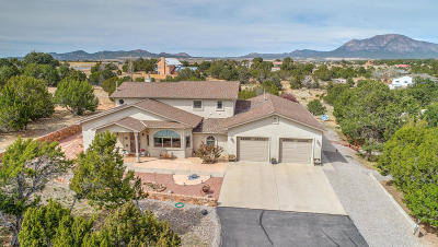 Tijeras, Cedar Crest, Sandia Park, Edgewood, Moriarty, Stanley Single Family Home For Sale: 1118 Mountain Valley Road