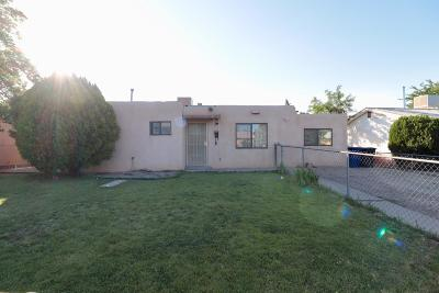 Albuquerque Single Family Home For Sale: 3705 Cherokee Road NE
