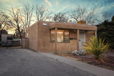 Albuquerque Single Family Home For Sale: 2345 Valencia Drive NE