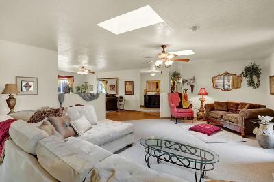 Single Family Home For Sale: 9411 Northridge Avenue NE