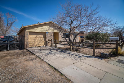Albuquerque Single Family Home For Sale: 825 Palo Duro Avenue NW