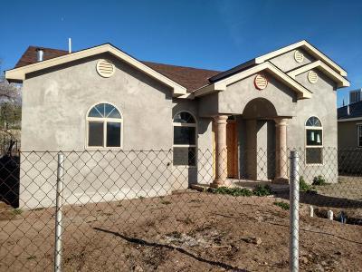 Albuquerque NM Single Family Home For Sale: $284,000