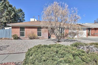 Single Family Home For Sale: 7317 Mayflower Road NE