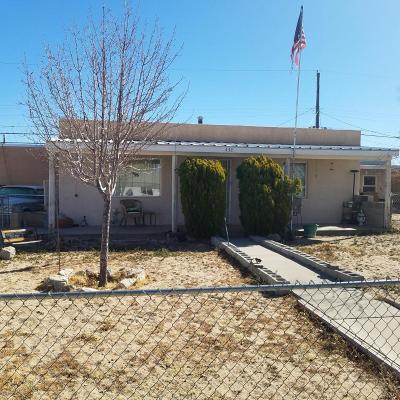 Albuquerque Multi Family Home For Sale: 438 Estancia Drive NW