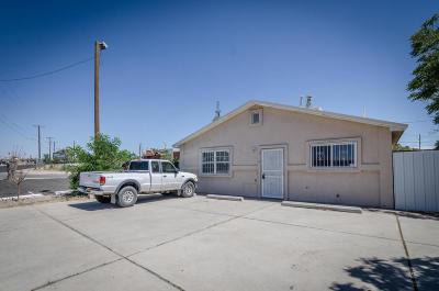 Albuquerque Single Family Home For Sale: 518 Gibson Boulevard SE
