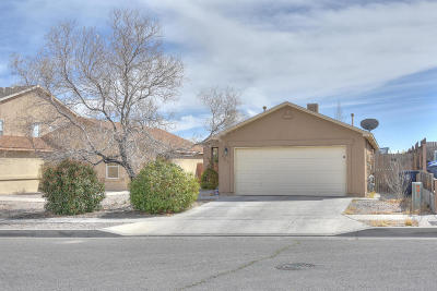 Albuquerque NM Single Family Home For Sale: $128,000