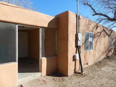 Albuquerque NM Single Family Home For Sale: $80,000