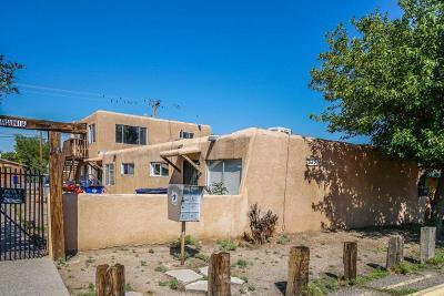 Albuquerque Multi Family Home For Sale: 325 Pennsylvania Street NE