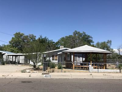 Albuquerque Single Family Home For Sale: 4613 Carlton Street NW
