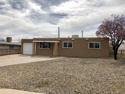 Albuquerque NM Single Family Home For Sale: $104,000