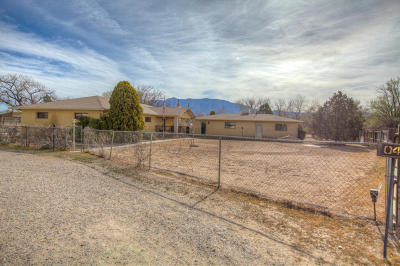 Corrales Single Family Home For Sale: 47 Rincon Road