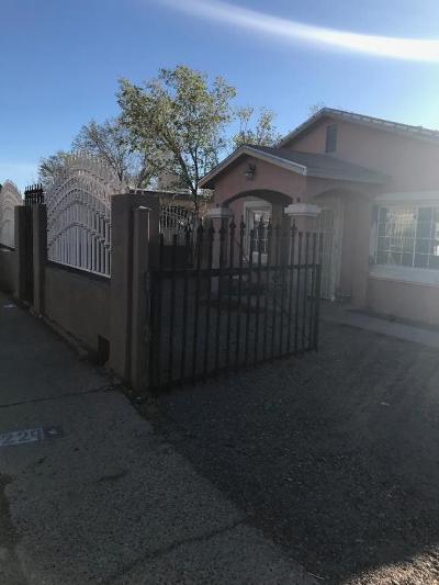 Albuquerque Single Family Home For Sale: 229 Dallas Street NE