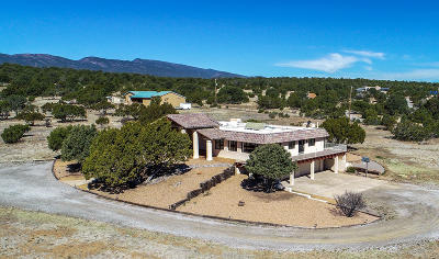 Tijeras, Cedar Crest, Sandia Park, Edgewood, Moriarty, Stanley Single Family Home For Sale: 17 Camino Encantado