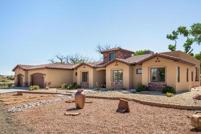 Bernalillo Single Family Home For Sale: 814 Sandoval Lane