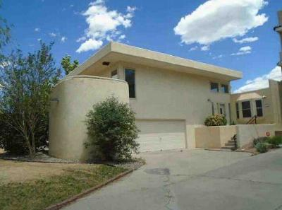 Albuquerque Attached For Sale: 5548 Overlook Drive NE